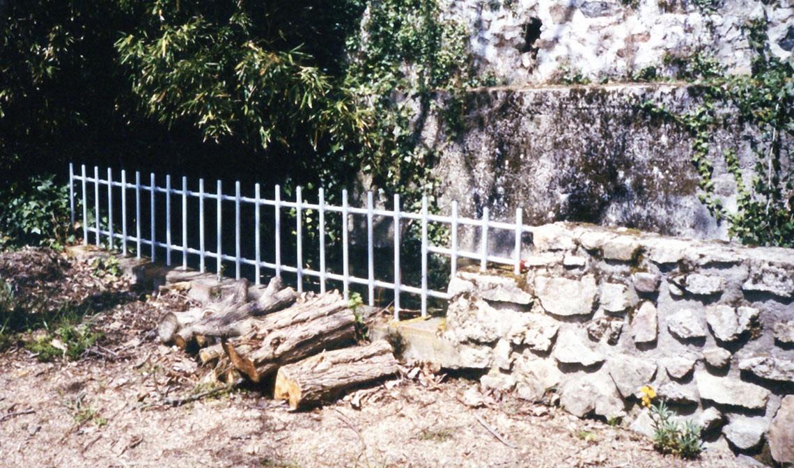 Garde corps et barri re en aluminium for Barriere aluminium jardin